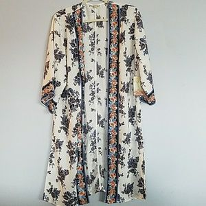 Lily White | Summer Foral Kimono